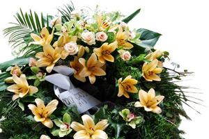 Válogass sírcsokraink, koszorúink között és emlékezz meg méltó módon az utolsó búcsún.