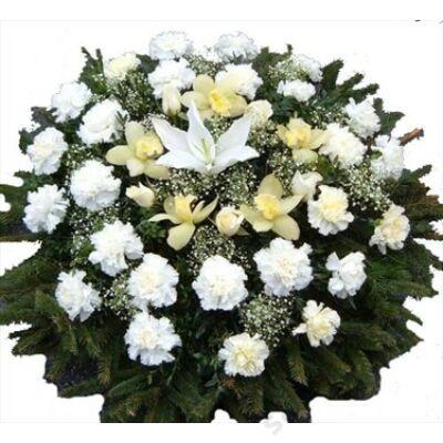 Koszorú fehér virágokkal